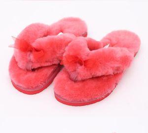 e780fa245 China Home Indoor Women Bedroom Sheepskin Slippers - China Slippers ...