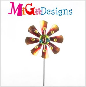 The Bees with The Flower Design Wind Spinner Garden Stake pictures & photos