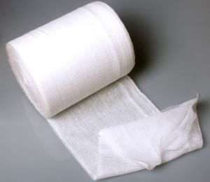 High Quality Hospital Absorbent Gauze Roll pictures & photos