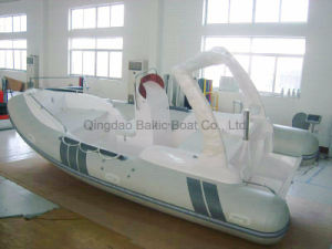 China Fiberglass Hull Boat 580 for Sale