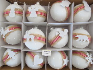 8cm White Christmas Glass Ball pictures & photos