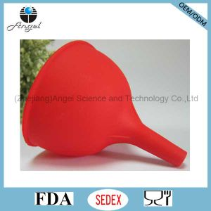 Hot Sale Medium Size Silicone Funnel Silicone Wine Pourer for Hotel Sk05 (M)