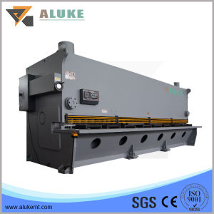 Automatic Iron Sheet Metal Cutting Machine in Stock pictures & photos