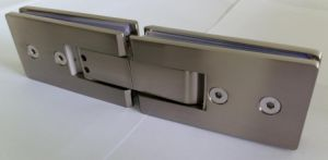 Hot Designs Brass Adjustable Shower Hinge (ESH-503) pictures & photos