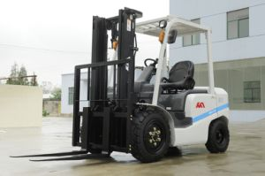 Promotional 3tons Forklift Truck, Diesel Forklift with Isuzu C240 Engines