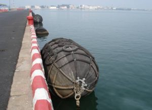Fishing Boat Pneumatic Marine Rubber Fenders for Marine, Yacht, Vessel pictures & photos