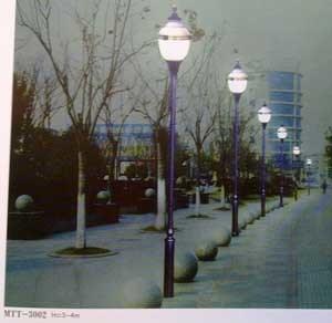 Crown Shape Garden Light
