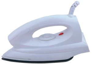 Sy-605 Cheap Dry Iron with Non-Stick or Ss Plate pictures & photos