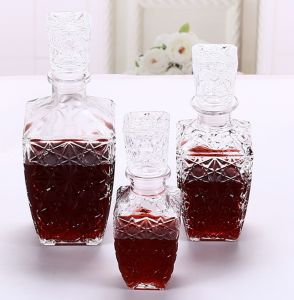 Square Diamond Pattern Glassware 1L Glass Bottle pictures & photos