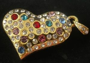 Jewelry Pen Drive in Heart Shape Studded With Diamonds