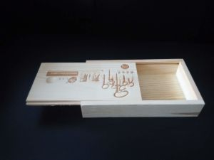 Natural Solid Pine Wood Box Customized in Sliding Cover pictures & photos