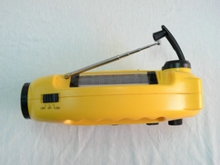 Rechargeable Battery Crank LED/Emergency Light Am/FM Radio pictures & photos
