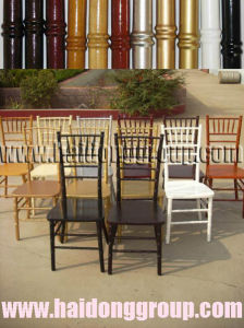 White Chinese Locust Wood Chiavari Sillas Tiffany Chairs with Soft Cushion pictures & photos