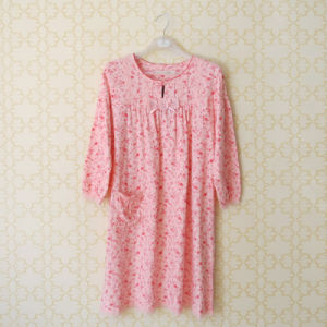 Floral Sleepwear in Bamboo Material (OEM) pictures & photos