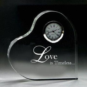 Love Heart Shape Crystal Clock Wedding Decoration Crystal Heart pictures & photos