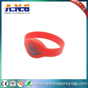 Waterproof Hf RFID Silicone Wristband Bracelet for Swimming Pool pictures & photos
