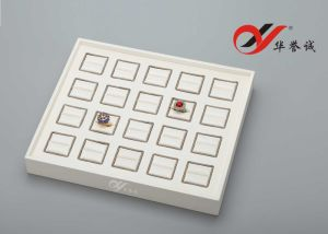 20 Slots White PU Leather Jewelry Display Tray pictures & photos
