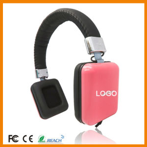 Square Ear Shell/Adjustable Stereo Headphones pictures & photos