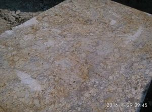 Chinese Granite Slab Golden Crystal / Diamond Flower Tiles Worktop Wall Cladding
