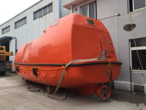 Gravity Type Lifeboat with Davit for Sale/ABS, CCS Approved pictures & photos