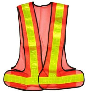 High-Visibility Roadway Reflective Vest Hs716 pictures & photos
