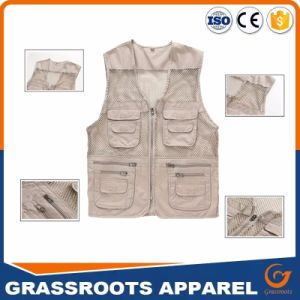 Custom Men′s Outdoor Multifunction Multi-Pocket Pierced Fishing Vest pictures & photos