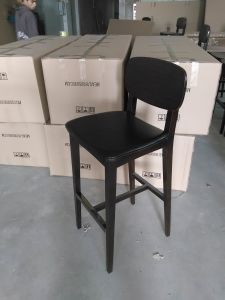 Modern Solid Wood Bar Stool (BC-52) pictures & photos