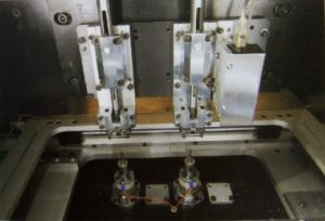 Automatic Eyelet Insert Machine XZG-9000EL-01-04 China Manufacturer pictures & photos