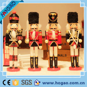 Customized King Holding Staff Nutcracker Christmas Decoration New pictures & photos
