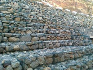 Gabion Box/ Stone Cages/ Gabion Wire Mesh Yaqi Factory pictures & photos