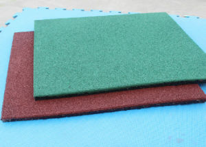 Outdoor Patio Floor Made by Rubber Grains Rubber Mat pictures & photos