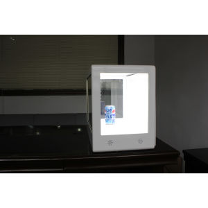 32 Inch Transparent Advertising Display pictures & photos