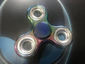 Good Quality Matalic Finger Hand Toys Fidget Spinner 608 Bearing pictures & photos