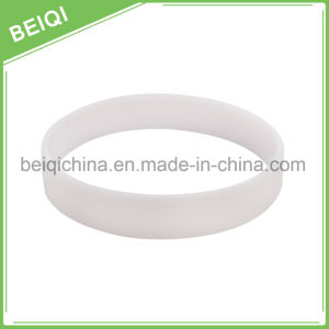 Custom Fashion Soft Discoloration Wristband/UV Wristband pictures & photos