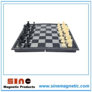 Magnetic Chess with Folding Chess Board (S, M, L) pictures & photos