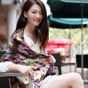 100% Silk Digital Printing Fashion Silk Chiffon Scarf pictures & photos