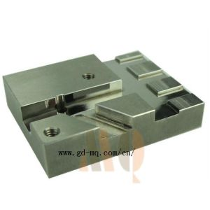 Injection Moulded Parts Custom Machining Parts (MQ2148) pictures & photos