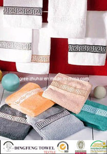100% Cotton Yarn Dyed Jacquard Bath Towel pictures & photos