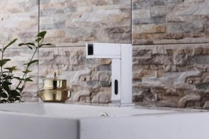 Waterfall Automatic Cold Only New Design Faucet pictures & photos
