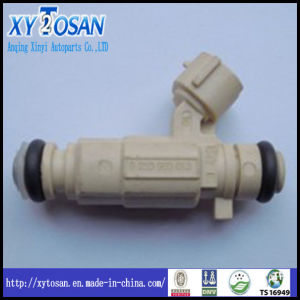 Auto Parts Injector for Peugeot 206 01f002A pictures & photos