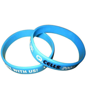High Quality Custom Debossed Silicone Wristband for Decoration pictures & photos