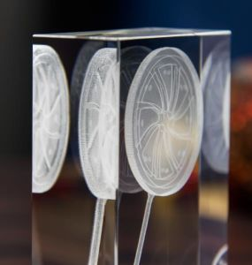 Champion Crystal Glass Crafts Cube with 3D Laser Engraving pictures & photos