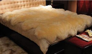 Large Double Genuine Sheepskin Rug Floor Carpet pictures & photos