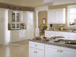 Oak Solid Wood Design in White Paint Cabinets