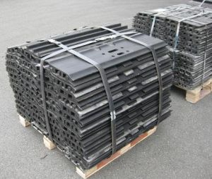 Track Shoes for Hyundai Excavator pictures & photos