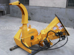 Professional Hydraulic Feed Wood Chipper pictures & photos