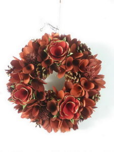 Red Wood Curl Wreath For Chirstmas Decoration