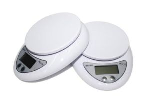 Electronic 5kg Kitchen Digital Scale pictures & photos