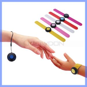 New Arrival Waterproof Smart Wristband Anti Lost Alarm for Children Pet pictures & photos