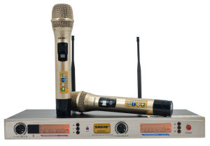 UHF Wireless Microphone with bluetooth Outdoor WiFi Microphone pictures & photos